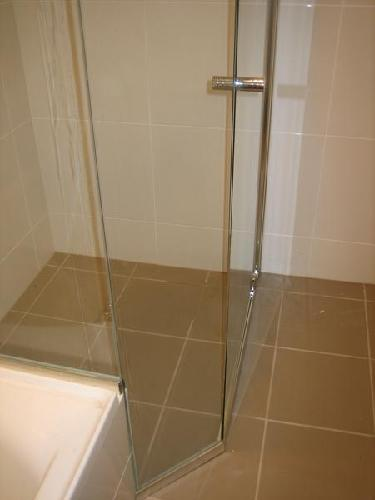 Shower screens, bathroom mirrors, splashbacks